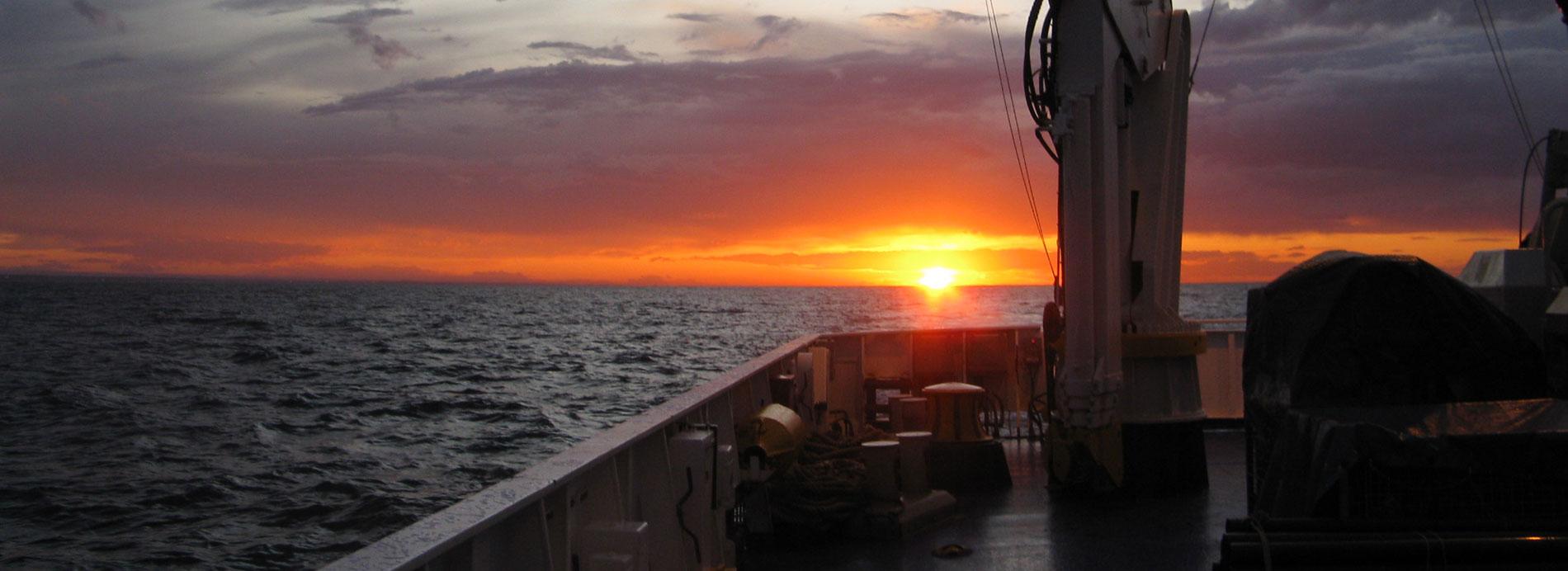 Study, monitor and predict the Mediterranean sea